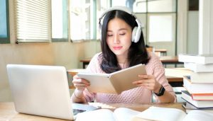 Can Listening to Music While Working Improve Your Effectiveness